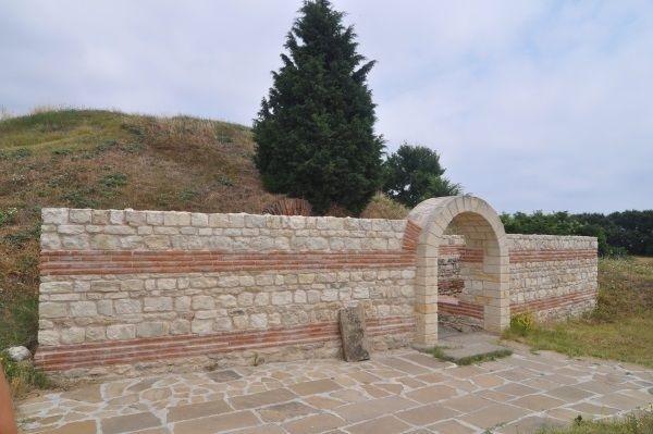 Поморіє Болгарія. Фракійська гробниця