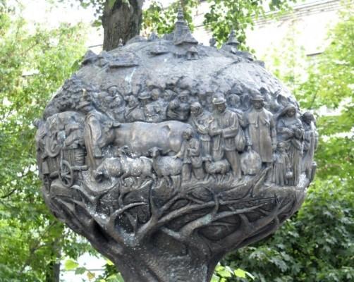 Тернопіль. Пам'ятник жертвам депортації